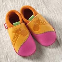 POLOLO Krabbelschuhe und Hausschuhe GIRAFFE mango  pink
